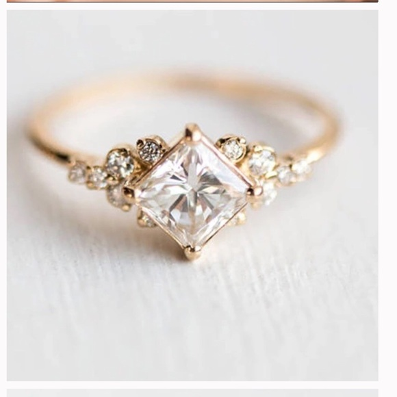 Jewelry - ✨Vintage setting CZ ring✨